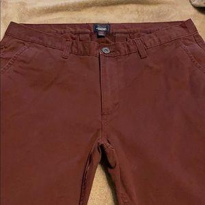 Men's GAP maroon khakis